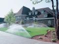 Спринклерный полив газона